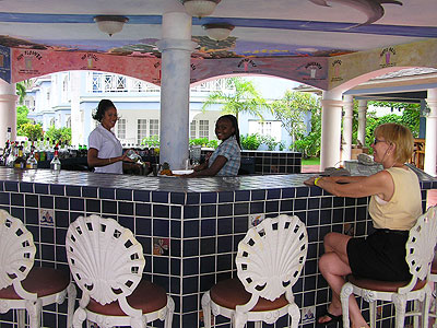 Restaurant and Bar - Beachcomber Club, Beach Bar, Negril Jamaica Resorts and Hotels