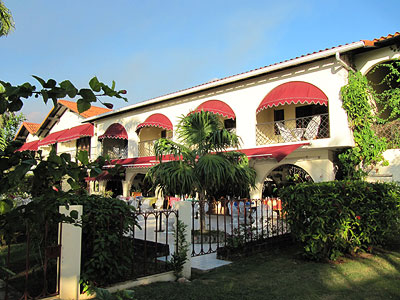 Exterior and Grounds - Charela Inn - Negril Resorts and Hotels, Jamaica