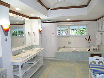 Photos couples negril beach resorts negril resorts for Bathroom designs in jamaica