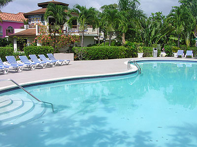 Coco Beach, Adult Beach Pool, Large Garden Pool and Jacuzzi - Coco La Palm Pool - Negril, Jamaica Resorts and Hotels