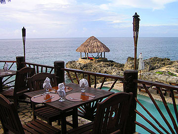 Restaurant, Bar and Lounge - Tensing Pen dining, Negril Jamaica Resorts and Hotels